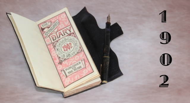 Photo of Amos Claycomb's 1902 Diary and pen