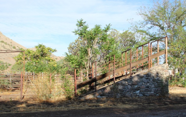 stone cattle ramp 2