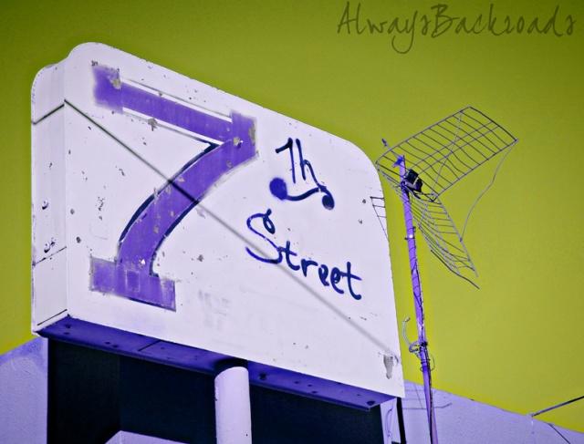7th Street sign