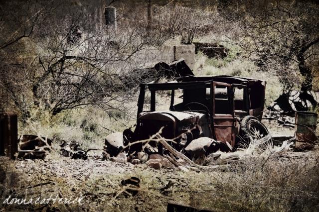rusty car globe